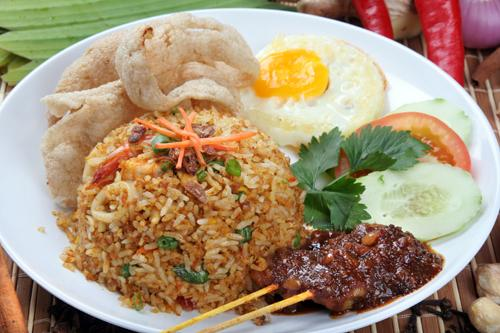 khas Indonesia termasuk nasi goreng