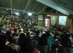 Sukses dan Berwawasan Bersama Kelas Khusus International University of Indonesia