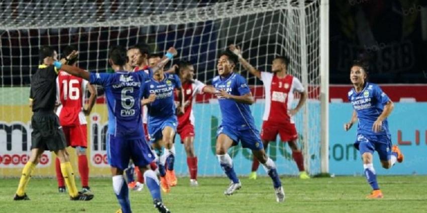 Persib VS PSM Makasar