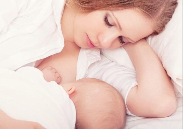 Ketahui Pentingnya Manfaat Inisiasi Menyusui Dini Bagi Ibu dan Bayi