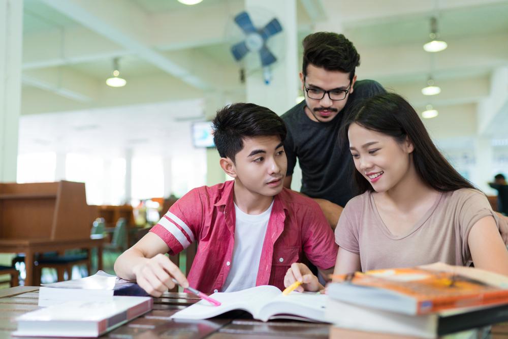 kuliah kelas karyawan
